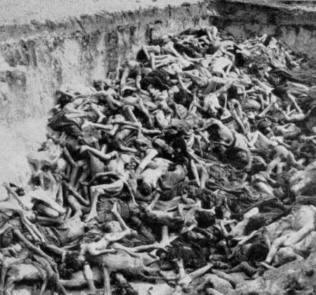 Mass_Grave_Bergen_Belsen_May_1945