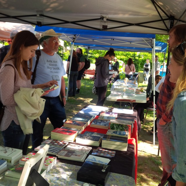 Photo of table at Ottawa's Prose in the Park